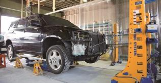 大破した事故車両にも対応の鈑金塗装・板金塗装
